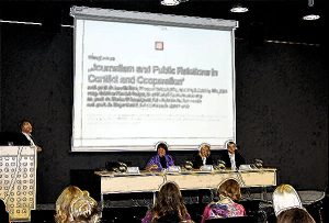 Novinarji, odnosi z javnostmi, piarovci